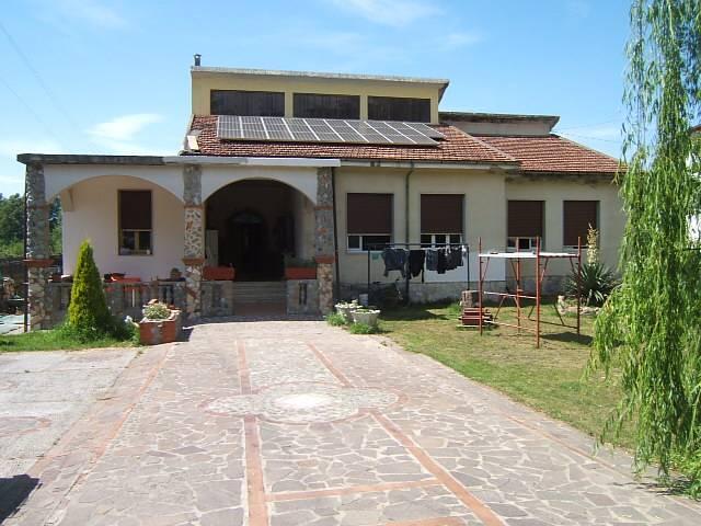 Soluzione Indipendente in vendita a Villafranca in Lunigiana, 7 locali, prezzo € 500.000 | Cambio Casa.it