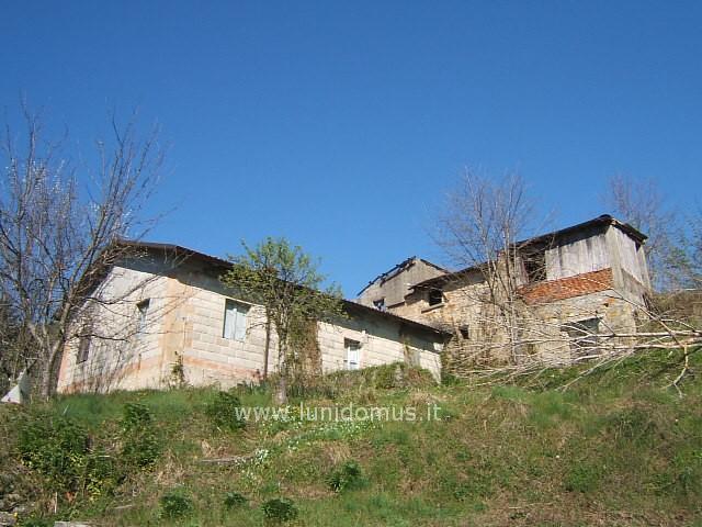 Soluzione Indipendente in vendita a Fivizzano, 5 locali, prezzo € 95.000 | Cambio Casa.it