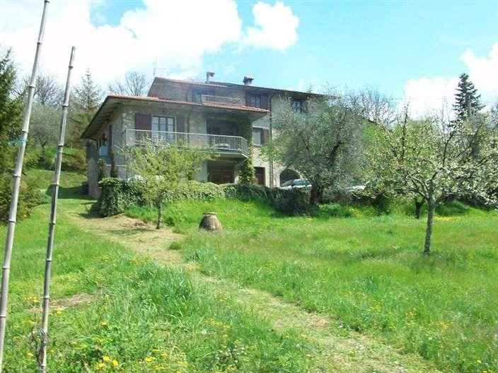 Rustico / Casale in vendita a Fivizzano, 8 locali, Trattative riservate | Cambio Casa.it