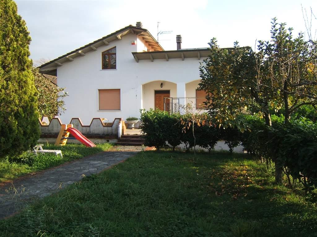 Soluzione Indipendente in vendita a Licciana Nardi, 9 locali, prezzo € 370.000 | Cambio Casa.it