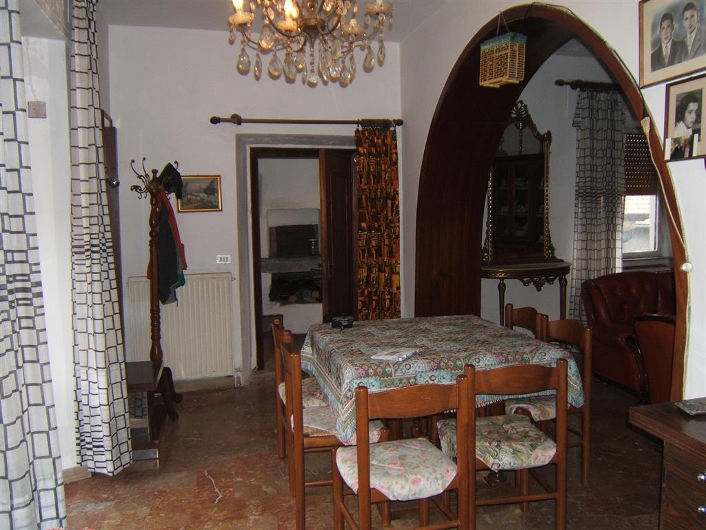 Soluzione Indipendente in vendita a Fivizzano, 7 locali, zona Località: MONCIGOLI, prezzo € 130.000 | Cambio Casa.it