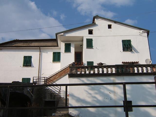 Soluzione Indipendente in vendita a Aulla, 5 locali, prezzo € 85.000 | Cambio Casa.it
