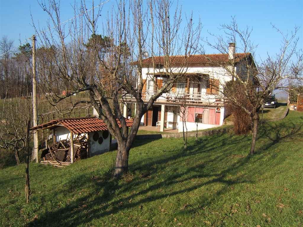 Soluzione Indipendente in vendita a Aulla, 5 locali, prezzo € 360.000 | CambioCasa.it