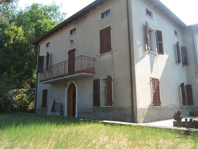 Soluzione Semindipendente in vendita a Casola in Lunigiana, 6 locali, prezzo € 180.000 | CambioCasa.it