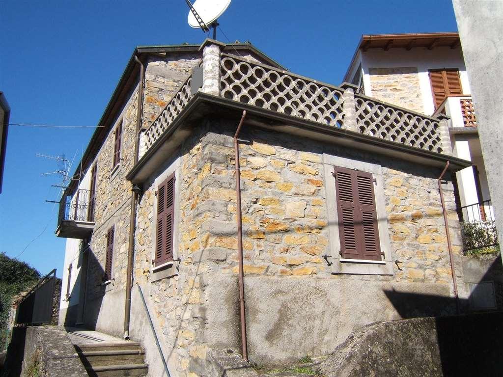 Soluzione Indipendente in vendita a Fivizzano, 5 locali, prezzo € 85.000 | Cambio Casa.it