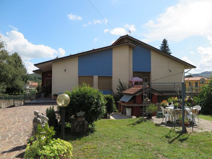 Soluzione Indipendente in vendita a Villafranca in Lunigiana, 9 locali, prezzo € 380.000 | Cambio Casa.it