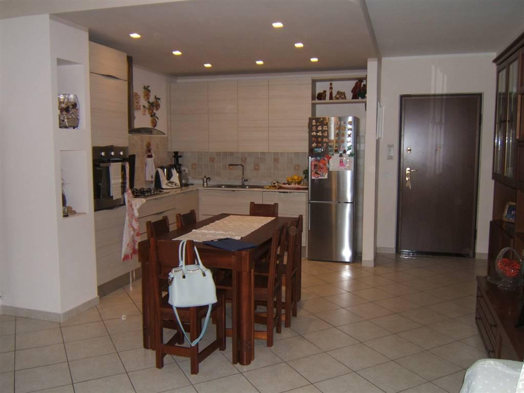 Appartamento in vendita a Aulla, 5 locali, prezzo € 180.000 | Cambio Casa.it