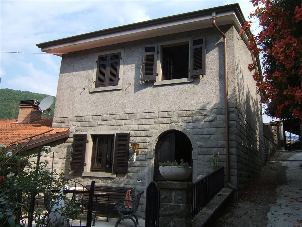 Soluzione Indipendente in vendita a Casola in Lunigiana, 4 locali, prezzo € 98.000 | CambioCasa.it