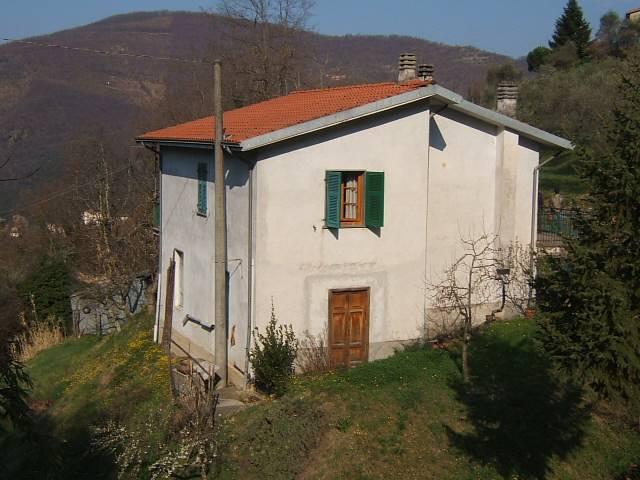 Soluzione Indipendente in vendita a Fivizzano, 4 locali, prezzo € 145.000 | CambioCasa.it