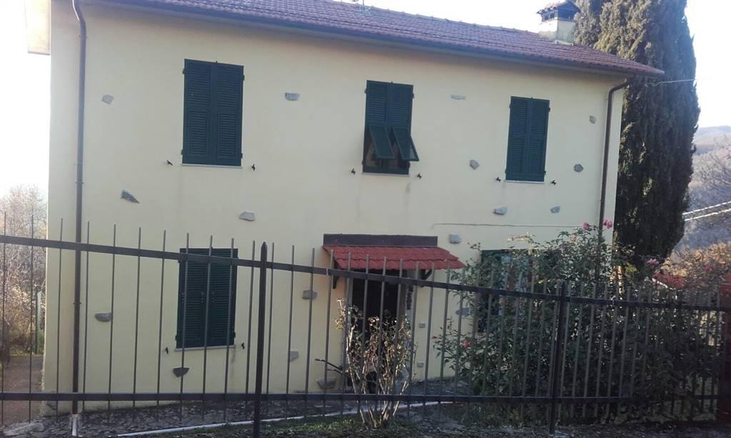 Soluzione Indipendente in vendita a Fivizzano, 4 locali, prezzo € 160.000 | Cambio Casa.it