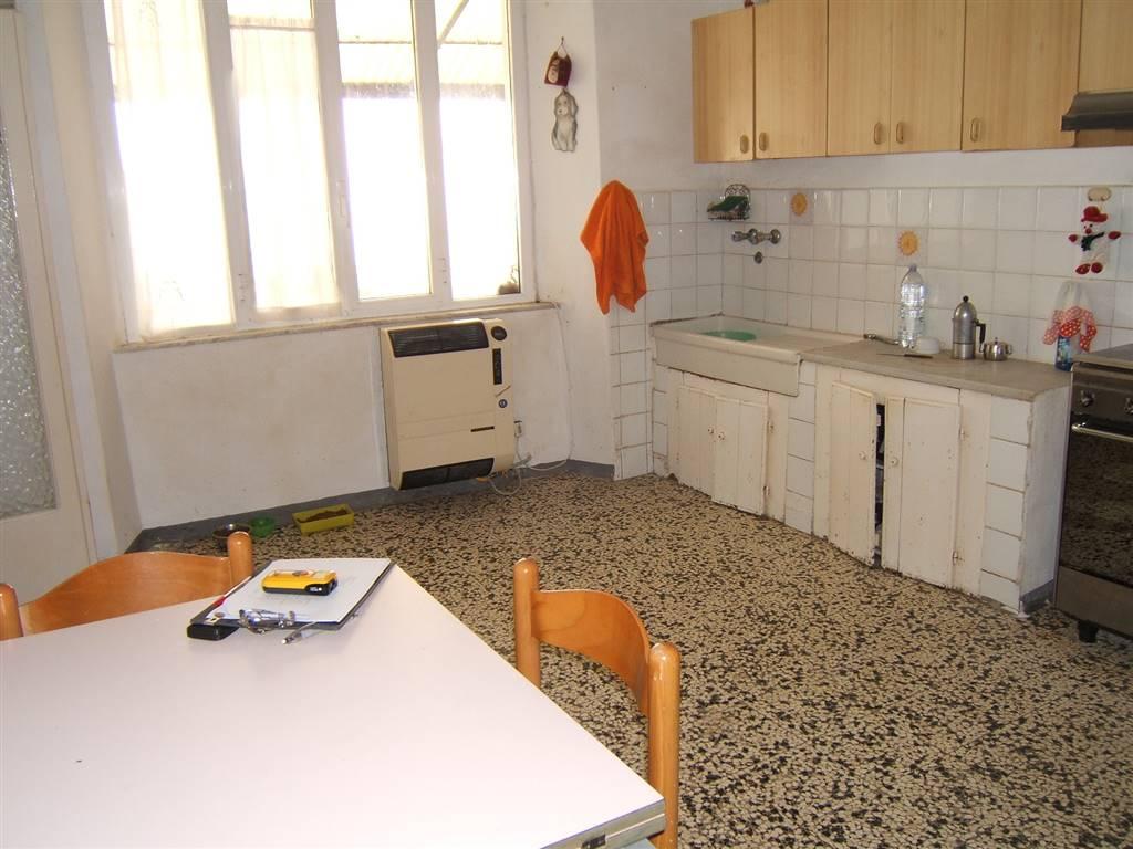 Soluzione Indipendente in vendita a Licciana Nardi, 4 locali, prezzo € 75.000 | CambioCasa.it