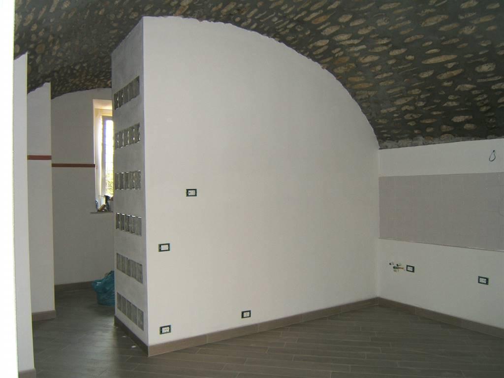 Soluzione Indipendente in vendita a Aulla, 2 locali, prezzo € 48.000 | CambioCasa.it
