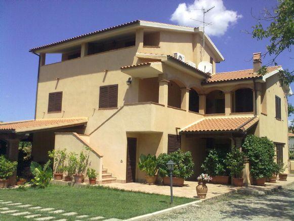 Soluzione Indipendente in vendita a Gavorrano, 10 locali, zona Zona: Bagno di Gavorrano, Trattative riservate | Cambio Casa.it