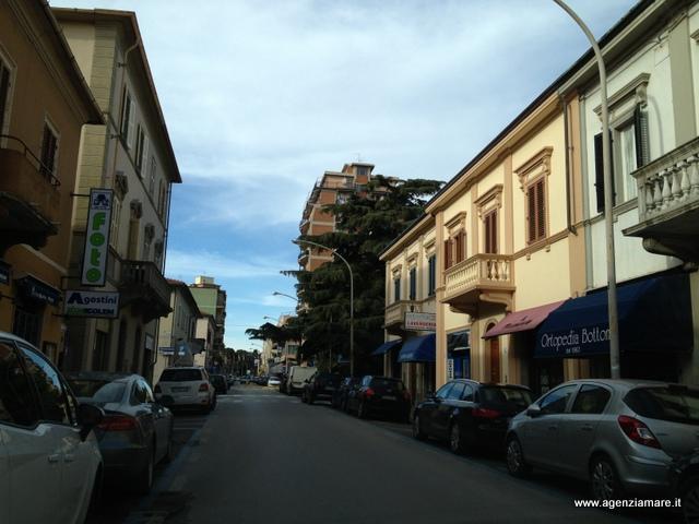 Immobile Commerciale in vendita a Follonica, 1 locali, zona Località: CENTRO, prezzo € 125.000 | CambioCasa.it