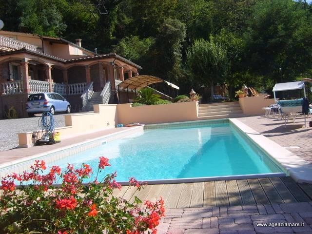 Villa in vendita a Gavorrano, 9 locali, prezzo € 800.000 | Cambio Casa.it