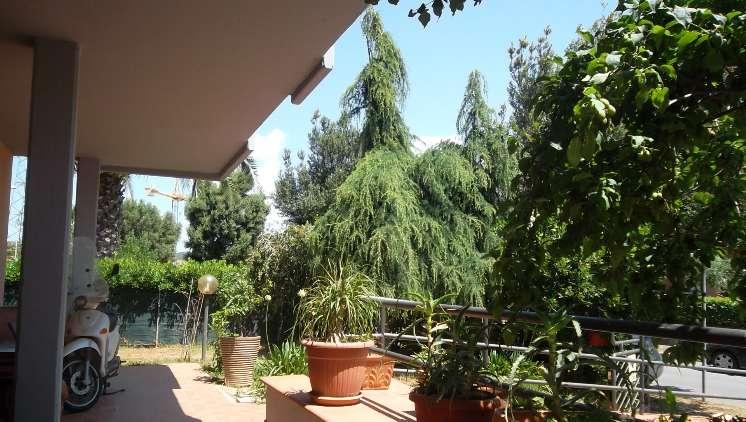 Villa in vendita a Follonica, 10 locali, zona Località: ZONA 167 OVEST, Trattative riservate | Cambio Casa.it