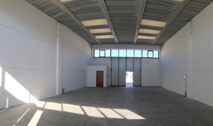 Magazzino in vendita a Follonica, 9999 locali, prezzo € 210.000 | Cambio Casa.it