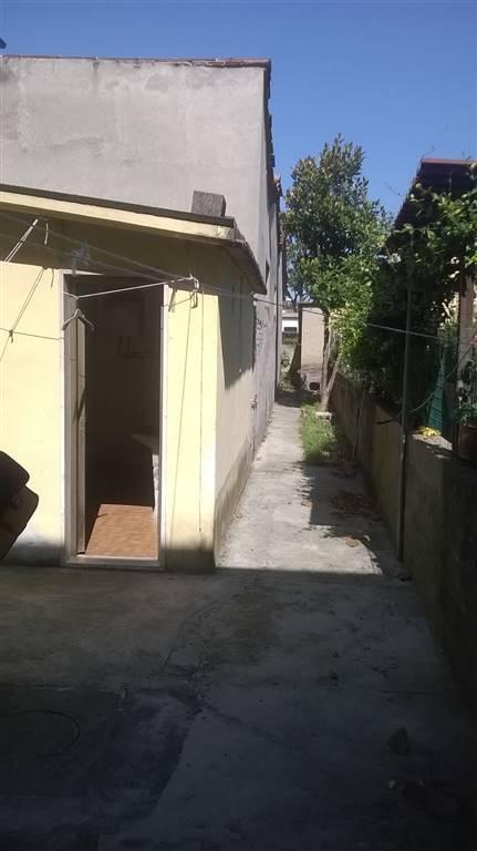 Soluzione Indipendente in vendita a Agliana, 4 locali, zona Zona: San Michele, prezzo € 120.000 | Cambio Casa.it