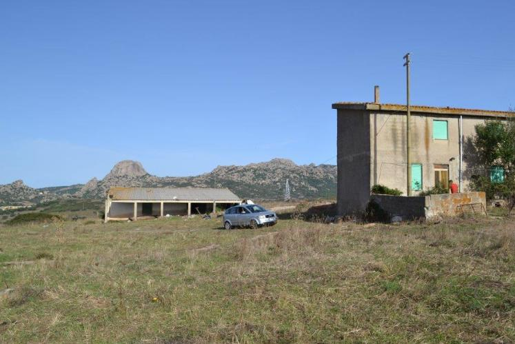Azienda Agricola in vendita a Luras, 9999 locali, prezzo € 1.200.000 | CambioCasa.it