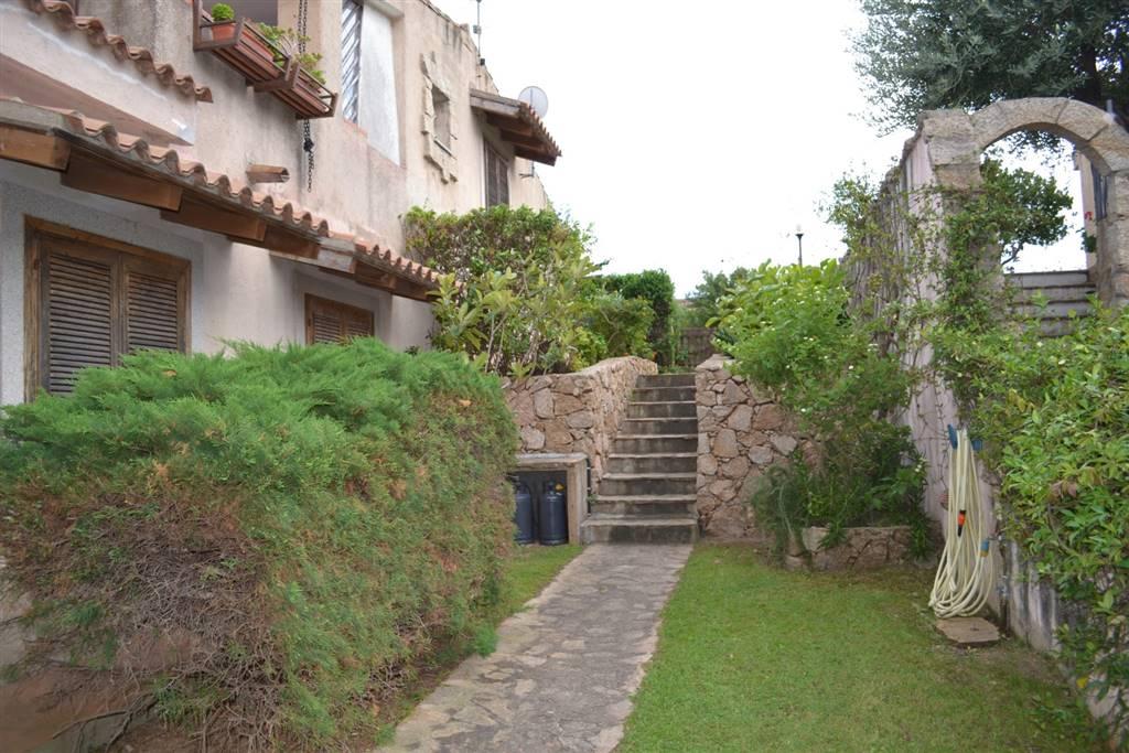 Soluzione Indipendente in vendita a Arzachena - Porto Cervo, 6 locali, zona Zona: Cannigione, prezzo € 370.000 | Cambio Casa.it