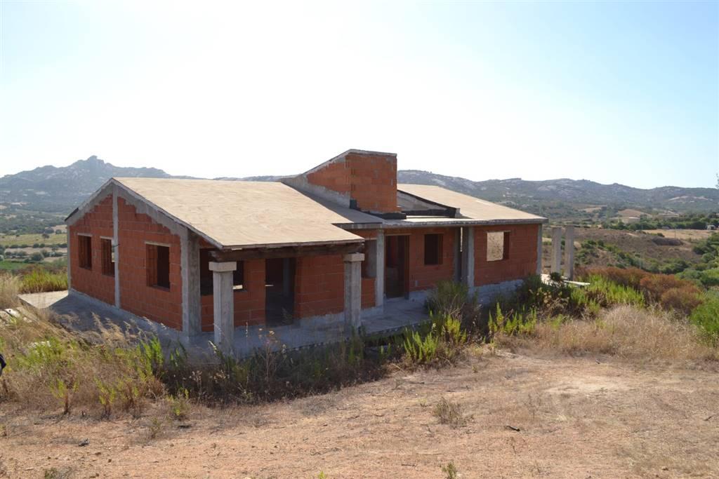 Rustico / Casale in vendita a Arzachena - Porto Cervo, 10 locali, prezzo € 185.000 | CambioCasa.it