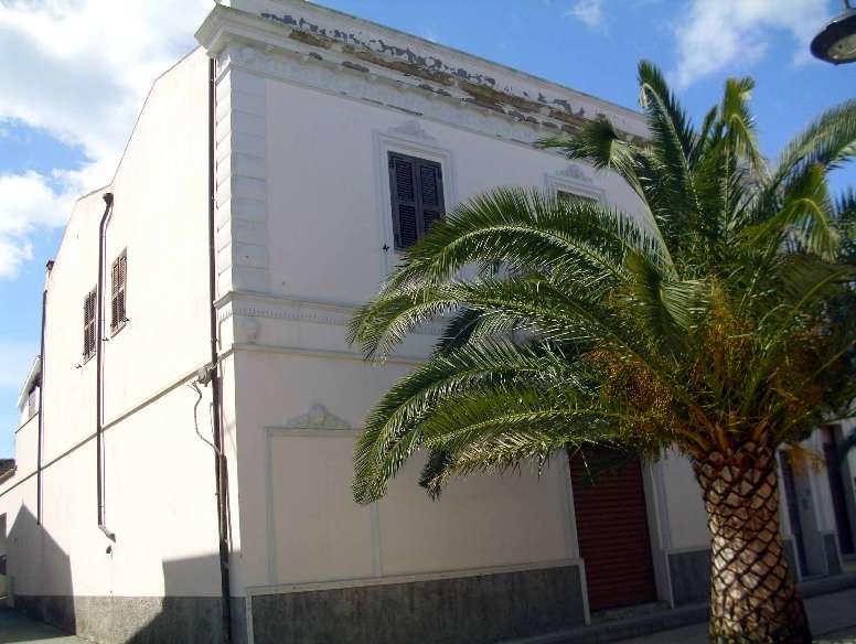 Casa Indipendente vendita CALASETTA (CA) - 7 LOCALI - 250 MQ