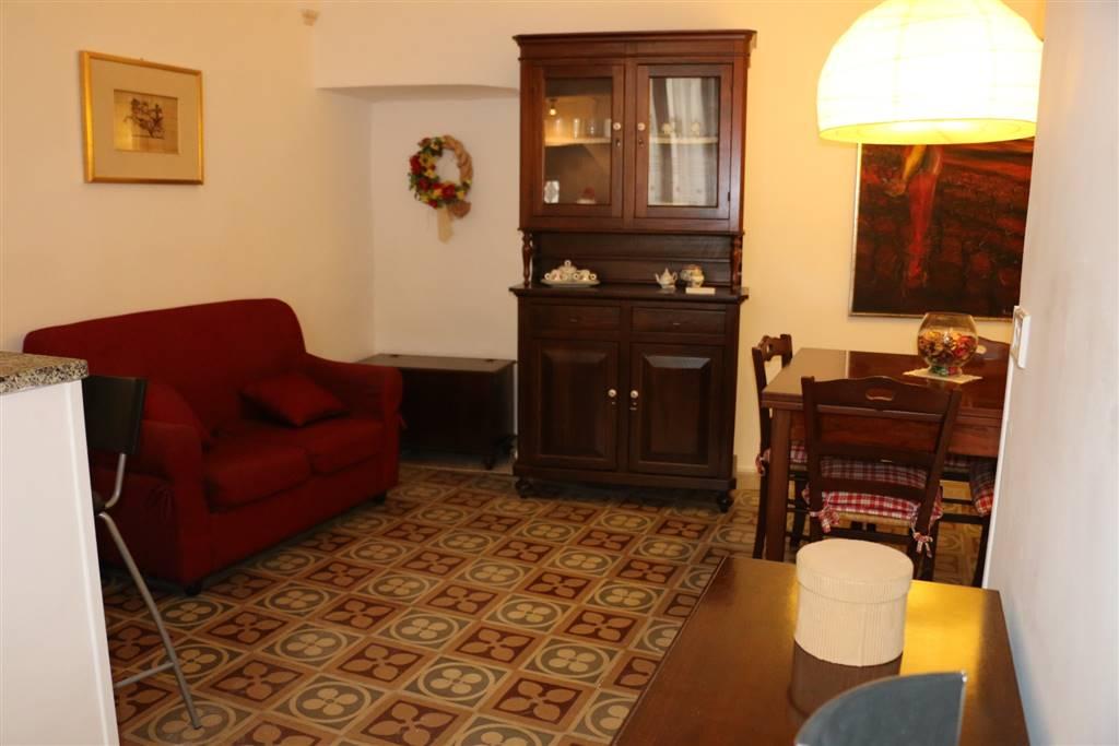 SOGGIORNO PRANZO: Appartamento indipendente in Centro Storcio Via Presacaro 27, Martina Franca