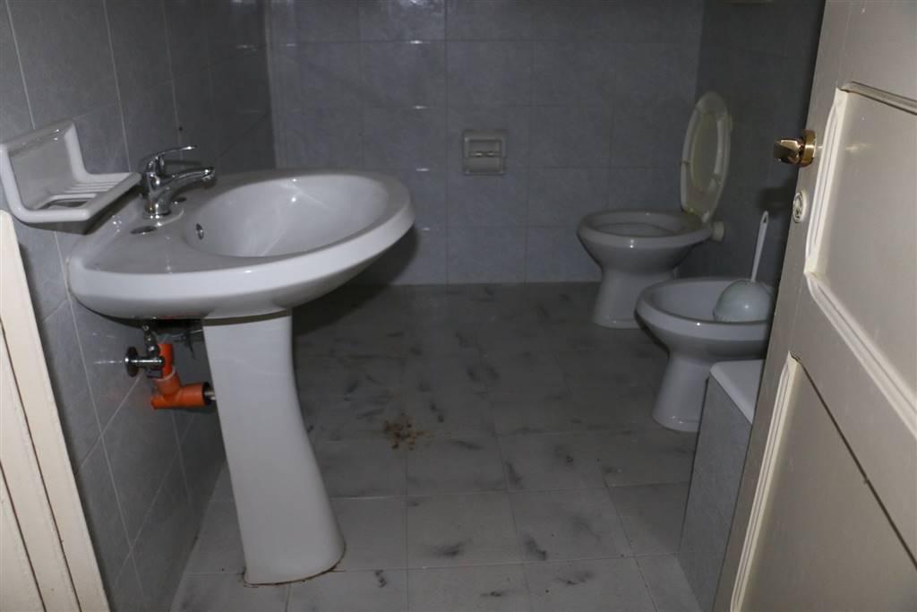 BAGNO: Palazzo in Centro Storico Via Mazzini, Martina Franca