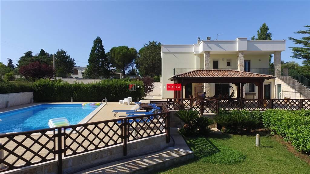 Villa con piscina a Martina Franca