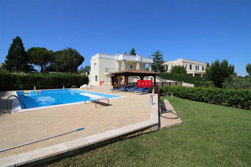 Villa in vendita con piscina