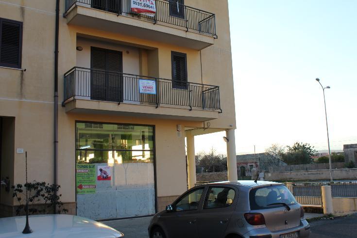 Appartamento in vendita a Floridia, 6 locali, prezzo € 79.000 | CambioCasa.it