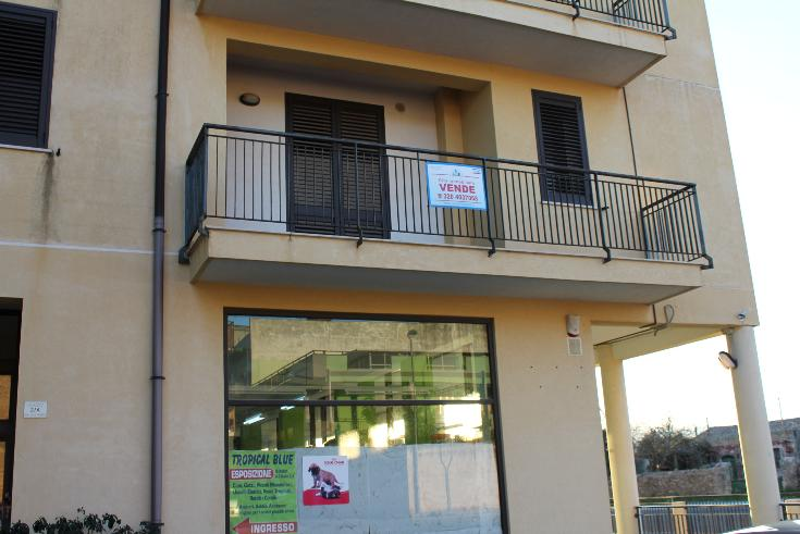 Appartamento in vendita a Floridia, 6 locali, prezzo € 79.000 | Cambio Casa.it