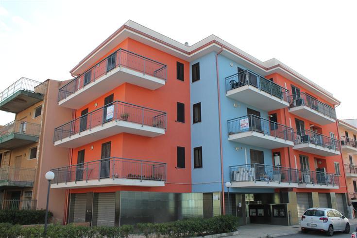 Appartamento in vendita a Floridia, 5 locali, prezzo € 82.000 | Cambio Casa.it