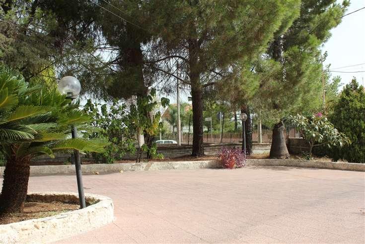 Attività / Licenza in vendita a Melilli, 14 locali, zona Zona: Città Giardino, Trattative riservate | CambioCasa.it