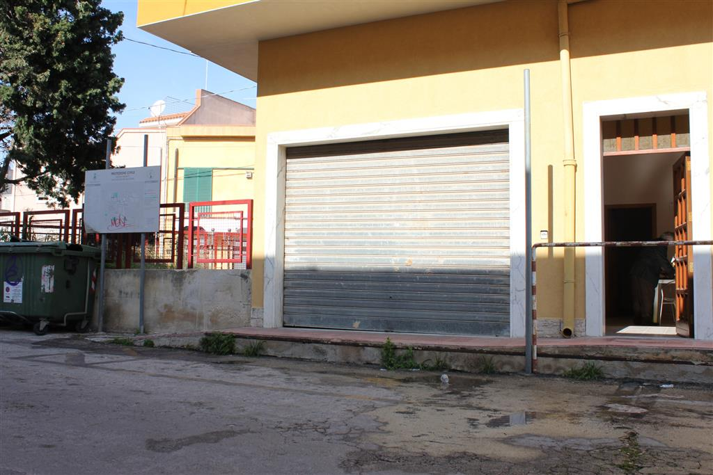 Magazzino in affitto a Siracusa, 1 locali, zona Zona: Belvedere, prezzo € 150 | CambioCasa.it