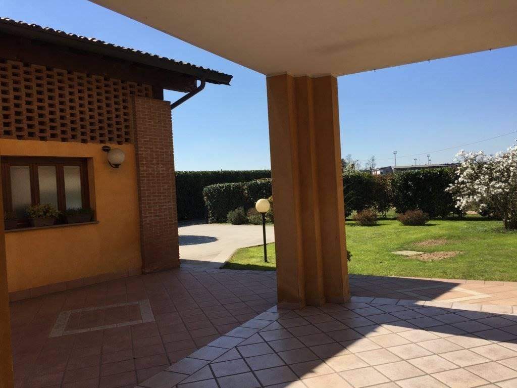 Villa in Vendita a San Giuliano Milanese: 5 locali, 280 mq
