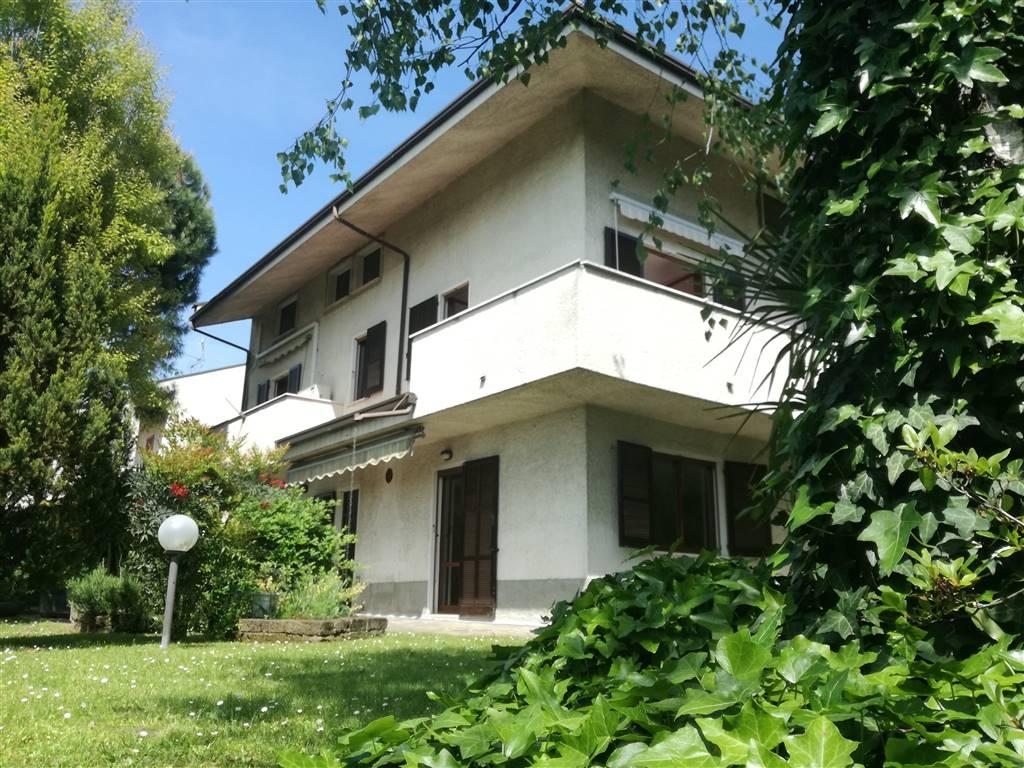 Villa in Vendita a Ornago: 5 locali, 310 mq