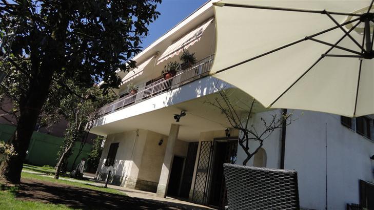 Villa in vendita a settimo milanese via g rossini - Piscina settimo milanese ...