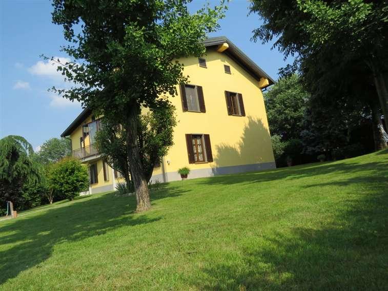 Appartamento in vendita a san donato milanese via unica for 2 piani di casa storia con maestro al piano principale