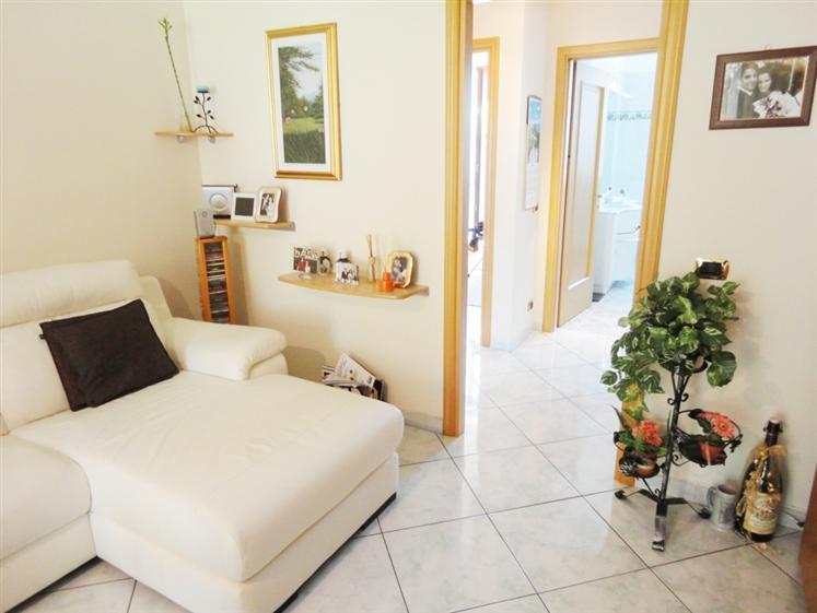 Appartamento in vendita a san giuliano milanese piazza for Arredamento san giuliano milanese