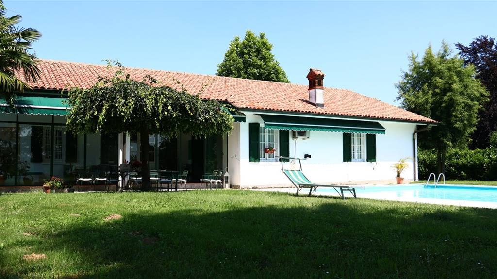 Villa in Vendita a Miradolo Terme: 5 locali, 300 mq