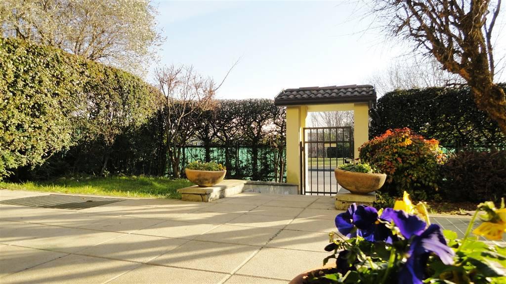 Villa in Vendita a Basiano: 5 locali, 215 mq