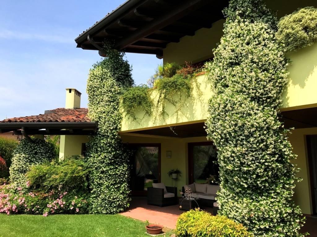 Villa in Vendita a Trezzano Rosa: 5 locali, 544 mq