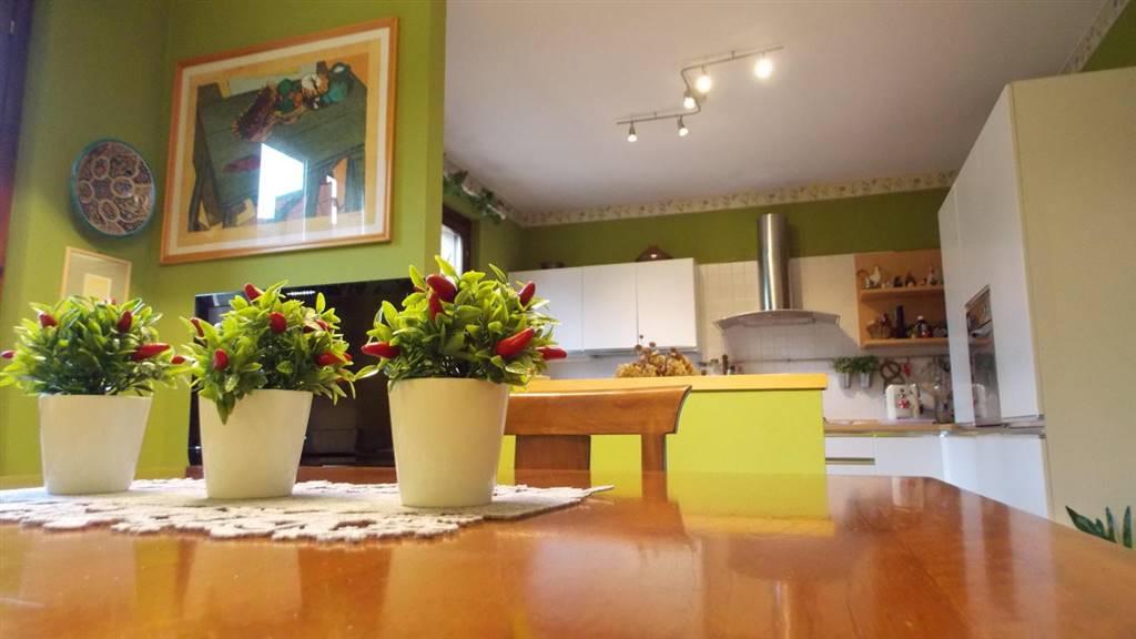Case carnate compro casa carnate in vendita e affitto su for Trova casa brianza