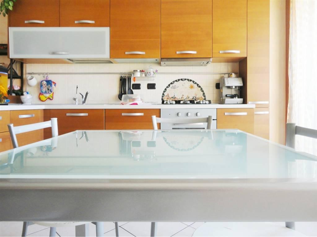Appartamento in Vendita a Busnago: 3 locali, 80 mq