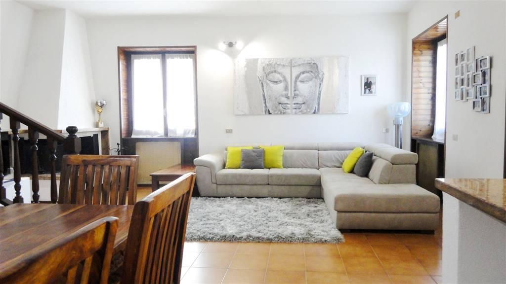 Villa in Vendita a Vimercate: 4 locali, 230 mq