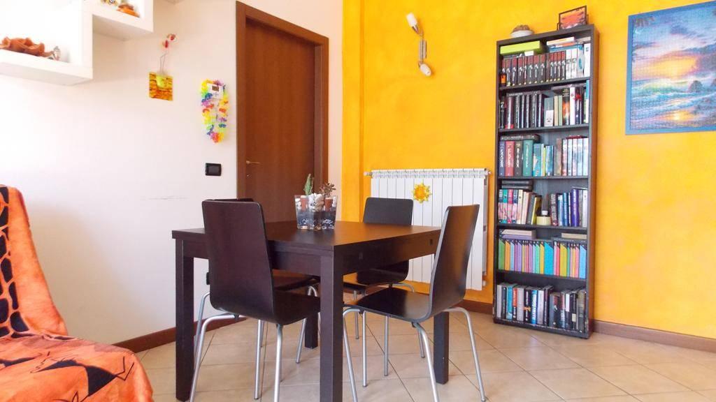Appartamento in Vendita a Bernareggio: 2 locali, 48 mq