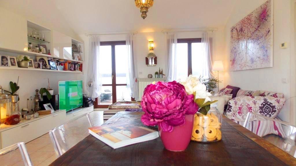 Appartamento in Vendita a Sulbiate: 3 locali, 100 mq