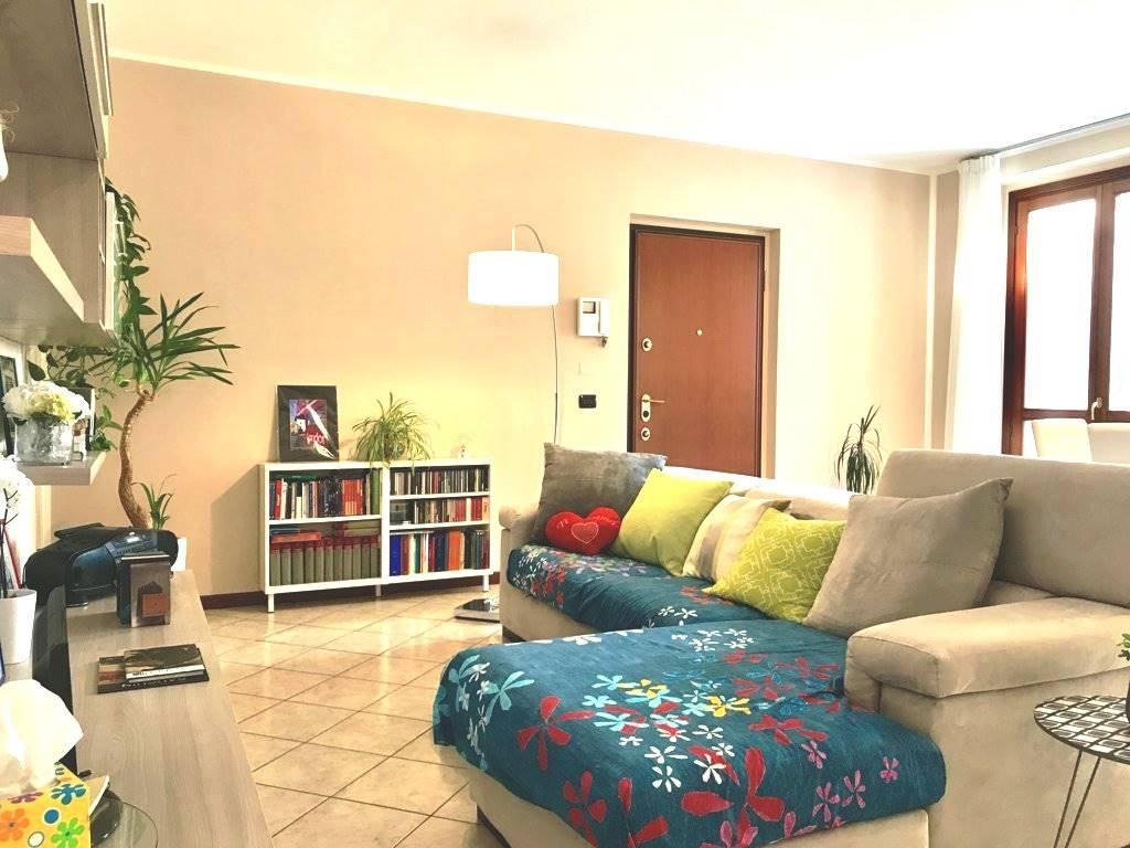Appartamento in Vendita a Roncello: 3 locali, 100 mq