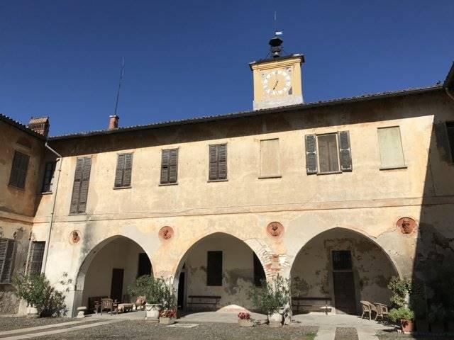 Villa in Vendita a Zibido San Giacomo: 5 locali, 2500 mq